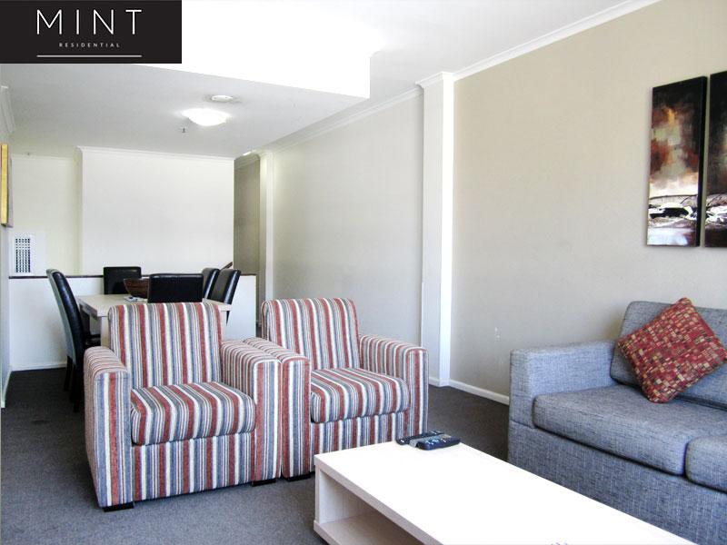 Darling Harbour - 2 bedroom apartment Commanding City ...